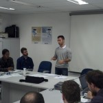 Leandro Corrêa apresentando suas propostas.