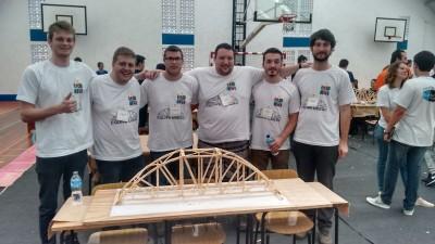 Ponte finalizada - Equipe UDESC